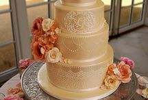 Autumnal Wedding Cakes / Beautiful, elegant autumnal coloured wedding cakes hand crafted by Unique Cakes by Yevnig