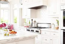 Kitchens / by Jami Kuckelman