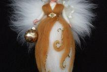 Engel und Weihnachtsfiguren gefilzt