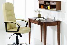 Idei birou / Spațiul în care lucrați trebuie să fie confortabil, luminos și cât mai potrivit cu gusturile dumneavoastră. Un astfel de birou vă oferă energie și, vă ajută să aveți mai mult spor în ceea ce faceți. Cele mai importante piese de mobilier sunt scaunul și biroul, care trebuie să fie potrivite necesităților dumneavoastră.