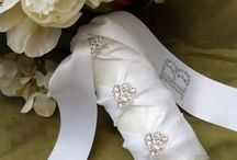 Unique Bouquet Details / A variety of bouquet stem wraps, embellishment options, and details. #bridal #wedding #bouquet #details #stem #wrap #stemwrap #jewels #bouquetjewels #brooch #bouquets #wedding #bridal #shower #anniversary #vow #renewal #party #parties #event #special #events #weddings