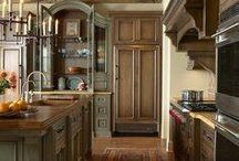 Kitchens / by Kim Penn