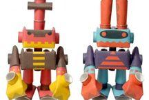 Figurines en carton / papier / Des figurines à assembler. En papier ou en carton, une paire de ciseaux et le tour est joué! A collectionner, la série Piperoid, des robots rigolos pour des enfants ingénieux !