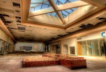 Urban Decay / The strange beauty of abandoned places