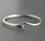 Michelle Chang: Bracelets / Arm peace