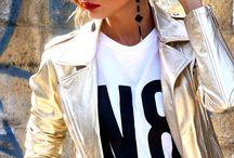 Весна. Перезагрузка / Gilet gold, leather, N8 Numerootto, made in Italy, price € 420                                T-Shirt, N8, €  50                                        Skirt, € 130
