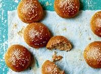 Why we love sesame / Sesame seeds add a hint of crunch and nutty taste to everything from savoury bakes to desserts. Here are a few of our favourite recipes from the library.