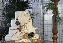 Wintery Wedding Cakes