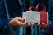 BPF Gift / Al momento della spedizione, gli oggetti, corredati da sigillo di sicurezza numerato, verranno ulteriormente controllati, avvolti nella velina antigraffio e confezionati con cura nella nostra scatola personalizzata. Inseriremo all'interno della confezione anche una fascia colorata e premontata a fiocco: vi servirà in caso vogliate regalare l'oggetto acquistato.