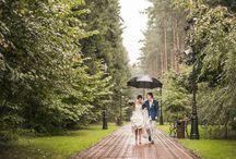 Novios debajo de la lluvia / Rainy weddings