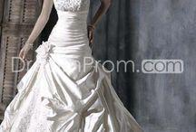 Wedding Dresses / by Anna Bonacci-Slater