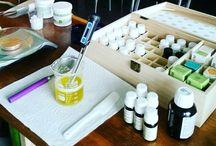 Remèdes maison / Baumes, sirops et autres préparations à base de plantes et d'huiles essentielles