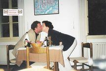 Silvia Schanz, Oktoberfest, Keep it real, Mallorca Schlager Party, Gedichte, Sinnsprüche. / Silvia Schanz, die verstorbene Lebenspartnerin vom Autor und Mitbegründerin vom BauFachForum hat zu Ihrer Lebzeit eine ganz ungewöhnliche Sammlung von Gedichten und Sprüche für jeden Anlass gehortet und gesammelt. Teilweise auch eigene Gedichte verfasst. Freut euch an diesen Sprüchen und vielleicht könnt Ihr den ein oder anderen ja selber verwenden/gebrauchen.  Legendär waren Ihre wöchentlichen/täglichen Karten, die unter Kopfkissen, in den Koffern... als Liebesbezeugung gefunden wurden.