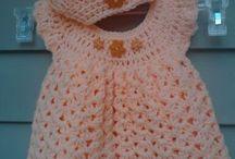 lysrrød kjole med hat 2