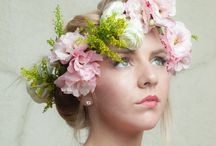 DIY Flower Crowns / Make your own flower crowns with a DIY kit from itsbyu.com - the do-it-yourself flower company!