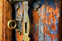 Doors / Elke deur opent perspectieven