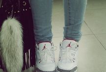 Sneakers/Shoes ✌
