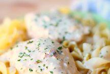 Food: Crockpot Recipes / Crockpot recipes including yummy healthy recipes including crockpot chicken recipes.