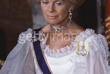 Tiary angielskie - Cambrige sapphire nacleses tiara