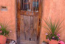 Ξύλινες παλιές πόρτες