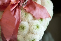 Floral Ring Pillow Ideas