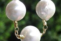Collar corto con perla