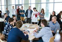 NeedApp / Druga edycja innowacyjnego konkursu NeedApp! Wydarzenie odbywa się w ramach obchodów VII Dni Uniwersytetu Ekonomicznego w Poznaniu i oficjalnego otwarcia Centrum Edukacyjnego Usług Elektronicznych.  Wypracowane pomysły będą przenoszone przez 24 godziny na język programowania przez uczestniczące w wydarzeniu firmy.