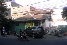 Rumah Muara Karang Blok.5 DISEWA (strategis untuk usaha) / Rumah Muara Karang Blok.5 DISEWA (strategis untuk usaha)  1.Lokasi : Muara Karang Blok.N5 Barat No.29 Jakarta Utara (sangat strategis untuk usaha) 2.Berapa Lantai : 1,5 Lantai Rumah Tua, untuk usaha / untuk tinggal 3.Ukuran : 10 x 17m 4.Listrik & Air : Listrik 2200 watt + Air Pam 5.Harga Sewa : Rp.50.000.000 Setahun 6.Harga Jual : Rp.6 M 7.Surat surat : Sertifikat Hak Milik 8.Kontak Person : 0816 8487 24 9.Cocok Untuk : Buka usaha apa saja cocok