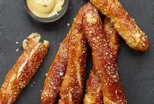 * sNack fooD * / Food snack. Pretzl. Mozarella. Farlig bread.