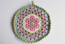 I love crochet potholder and coasters / by Ana Flor