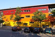 Gewerbegebäude gebaut von Mitgliedsfirmen des Zimmererverbandes Baden-Württemberg / Der Verband des Zimmerer- und Holzbaugewerbes Baden-Württemberg hat über 1.100 Mitgliedsbetriebe. Darunter finden Sie von der Zwei-Mann-Zimmerei bis hin zum großen Ingenieurholzbau-Unternehmen alles.