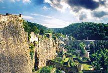 BIENVENU   Luxemburg / Wie het kleine niet eert, is Luxemburg niet weerd! En dat zou jammer zijn: want wat kun je in dit kleine landje groots genieten!