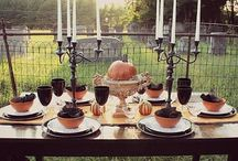 Halloween Tablescapes & Tables / Dress up your dining room with a new table & some spooky decor!