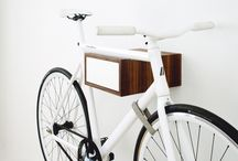 TÎAN – Walnut & white / TÎAN is the perfect combination of function and design. Whether single speed, retro race bike, or custom made – TÎAN shows off your bike to its best advantage. MIKILI – Bicycle Furniture: Made with ♥ in Berlin www.mikili.de