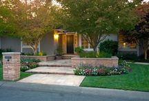 Landscaping Ideas / Simple, easy and cheap DIY garden landscaping ideas for front yards and backyards. Many landscaping ideas with rocks for small areas, for privacy or pools. - http://plantedwell.com/landscaping-ideas/