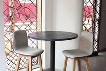 mesa + taburetes