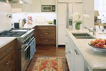 Rug in the kitchen /Szőnyeg a konyhában