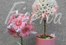 Girl's birthday party table arrangement / Table arrangements from chrysantema, gerberas, roses and alstroemerias