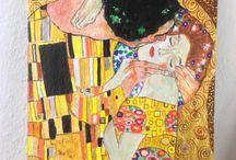 Ardesia dipinta (painted slate)  di Deborah Alcaras / Diversi anni fa ho iniziato a dipingere anche su ardesia (qui ho pubblicato solo alcuni soggetti che rappresentano i vari ritratti, copie d'autore, ecc. eseguiti con pittura ad olio). Ho anche apprezzato questa pietra, unica nel suo genere, utilizzandola per realizzare altre creazioni originali.