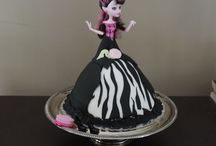 Birthday Cakes Orangeville / At the Land of the Glass Slipper - our parties are all inclusive - we even provide a custom made cake (or cupcakes - or NEW ice cream sundae bar!!)
