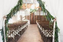 || Winter Wedding Inspiration || / Embracing the chills of winter weddings through warm and inviting decor and design