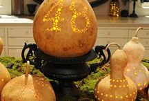 Outdoor Decor : Halloween / Here are some ideas to have your home looking its spook-tacular best for trick-or-treaters this Halloween!