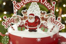 Christmas cakes, cupcakes and cookies / http://www.homeandheavens.com/christmas-cake-decorations/