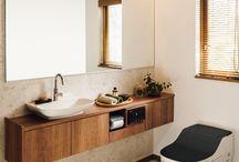 House toilet / toilet