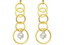 studs.pearls.wear me / by Cry Darak