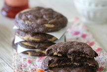 Cookies & Sweets / by Victoria Calibozo