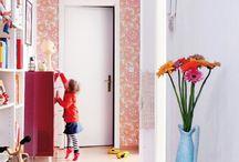 Lovely Living / Ich liebe hübsche Wohnungen. Diese farbenfrohen Dinge gefallen mir aktuell ganz besonders gut :)