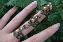 Etsy Jewelry Finds / by Jackie Santiago