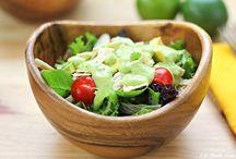 Food - Salads & Salsas / by Anita Dehghani