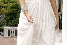 Vestidos estiló griego / by Mónica Aragón
